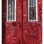 Lisbonne (Bairro Alto) : Porte taguée