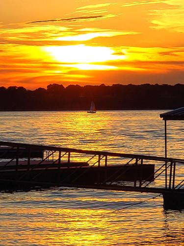 disney grandlake oklahoma vacation rental family reunion water sunset