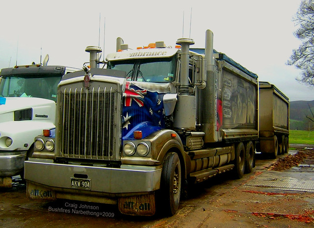 Kenworth helping with Bushfire Clean Up Narbethong