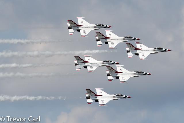 USA - Air Force   Thunderbirds 1-6   Lockheed F-16DM Fighting Falcon   YYZ   CYYZ