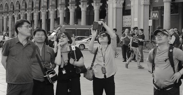 IMG_1370_2 - Milano. Looking at the Duomo.