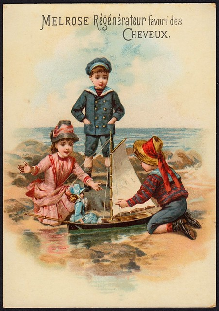 French Tradecard - Children at the Seaside