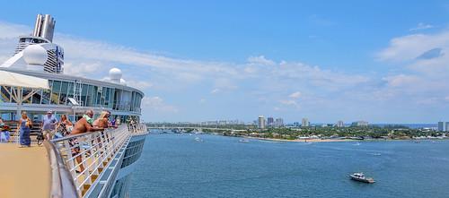 allureoftheseas royalcaribbeancruiseline royalcaribbean cruiseline cruiseship cruise ship rccl