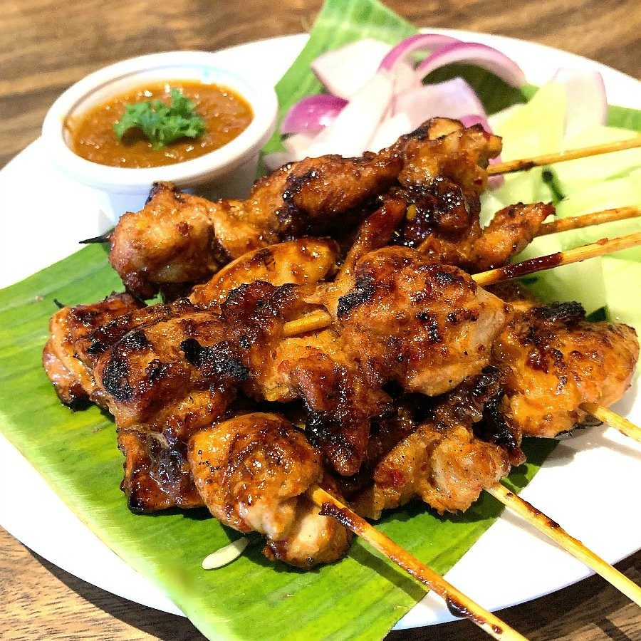What to Eat in SIngapore: Chicken Satay