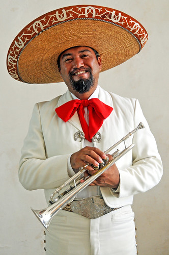 Mexico-5679 - Blow that horn.