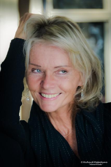 Irka Bochenko - James Bond