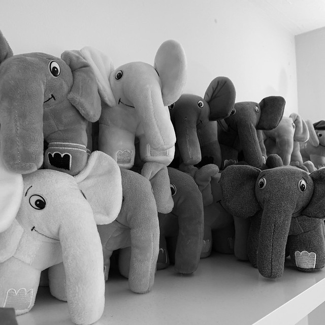 Elelphpants on the shelf