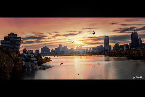 sonya7iii bostonuniversitybridge usa boston cambridge newengland charlesriver river water waterfront urban city sunrise glow skyline goldenhours panorama photomerge hdr boat hancocktower prudentialtower dock autumn morning sonyfe24105mmf4goss stacking