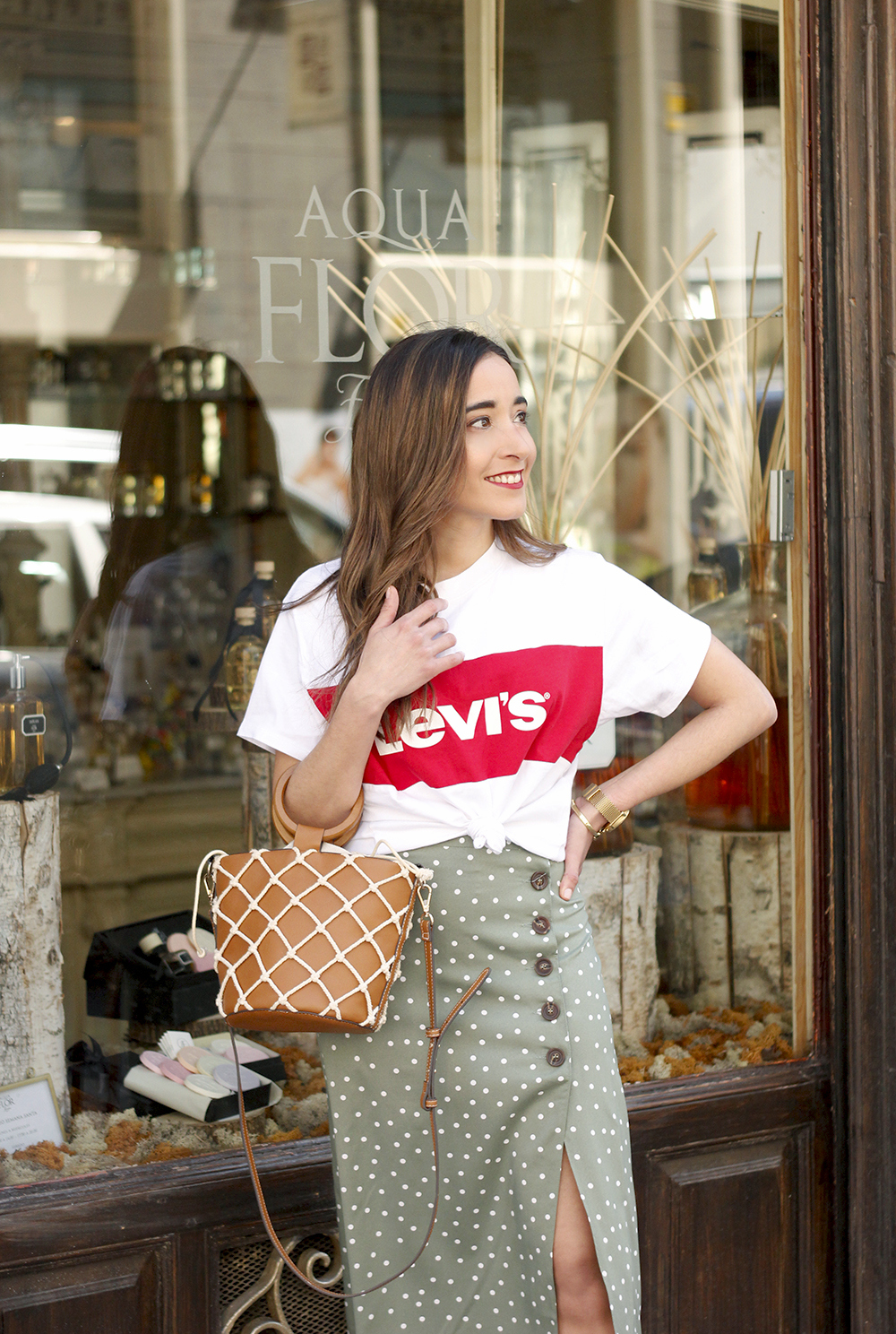 midi polka dots skirt denim jacket levis tshirt superga sneakers street style casual outfit spring 20192