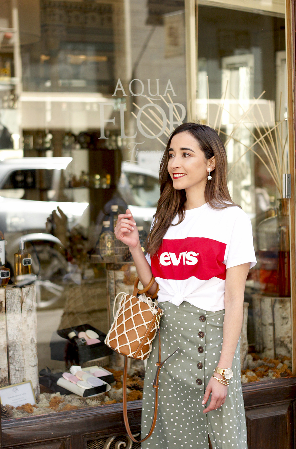 midi polka dots skirt denim jacket levis tshirt superga sneakers street style casual outfit spring 20191