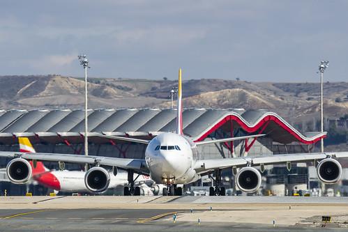 EC-JPU1 A340-600 | by Vadeaviones