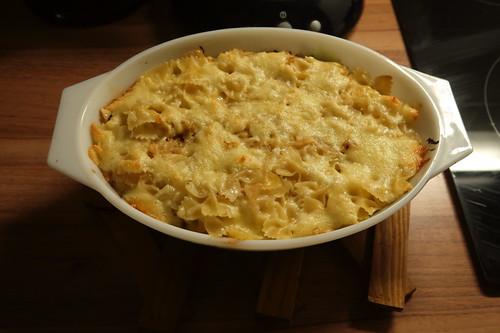 Sauerkraut-Nudel-Käse-Auflauf (noch in der Form)