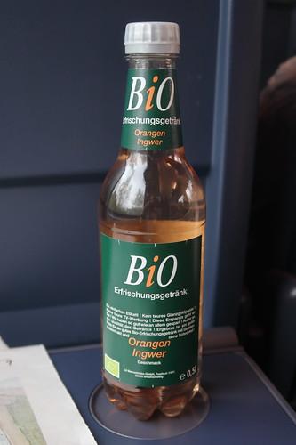 BiO Erfrischungsgetränk mit Orangen Ingwer Geschmack (auf der Rückfahrt von Berlin nach Osnabrück)