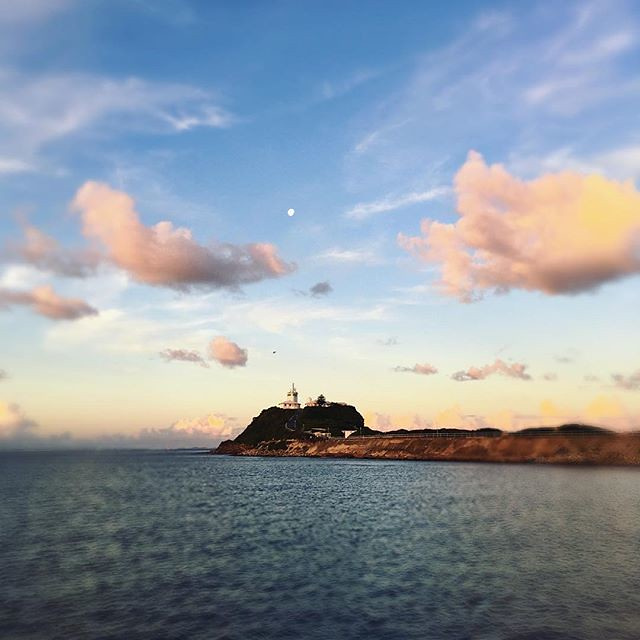 103/365 • Nobby's Lighthouse, under the moon 🌓 •