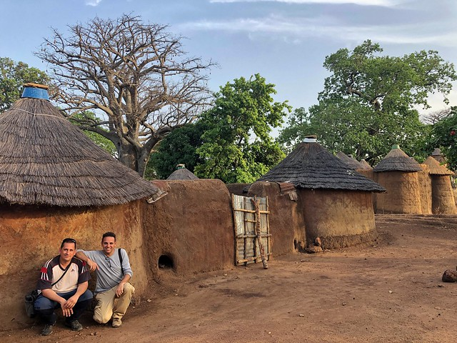 Sele e Isaac (Chavetas) en el País Somba (Benín)