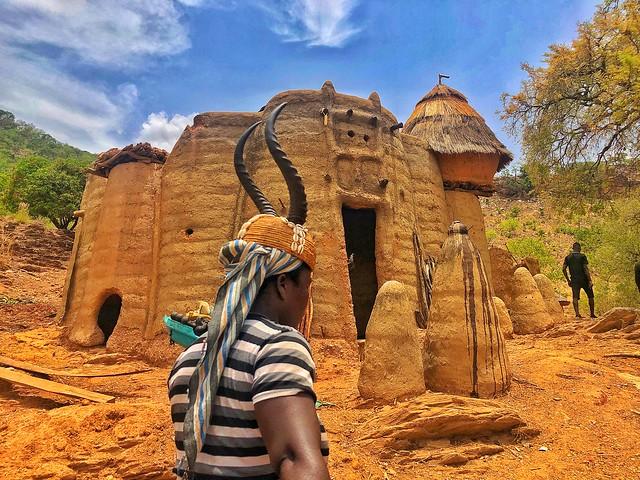 Tata Somba en Togo (Mujer y vivienda tamberma en Togo)