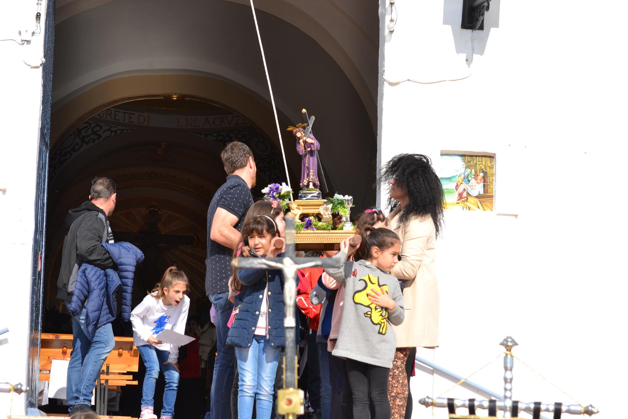 (2019-04-12) - III Vía Crucis jóvenes - Diario el Carrer (07)