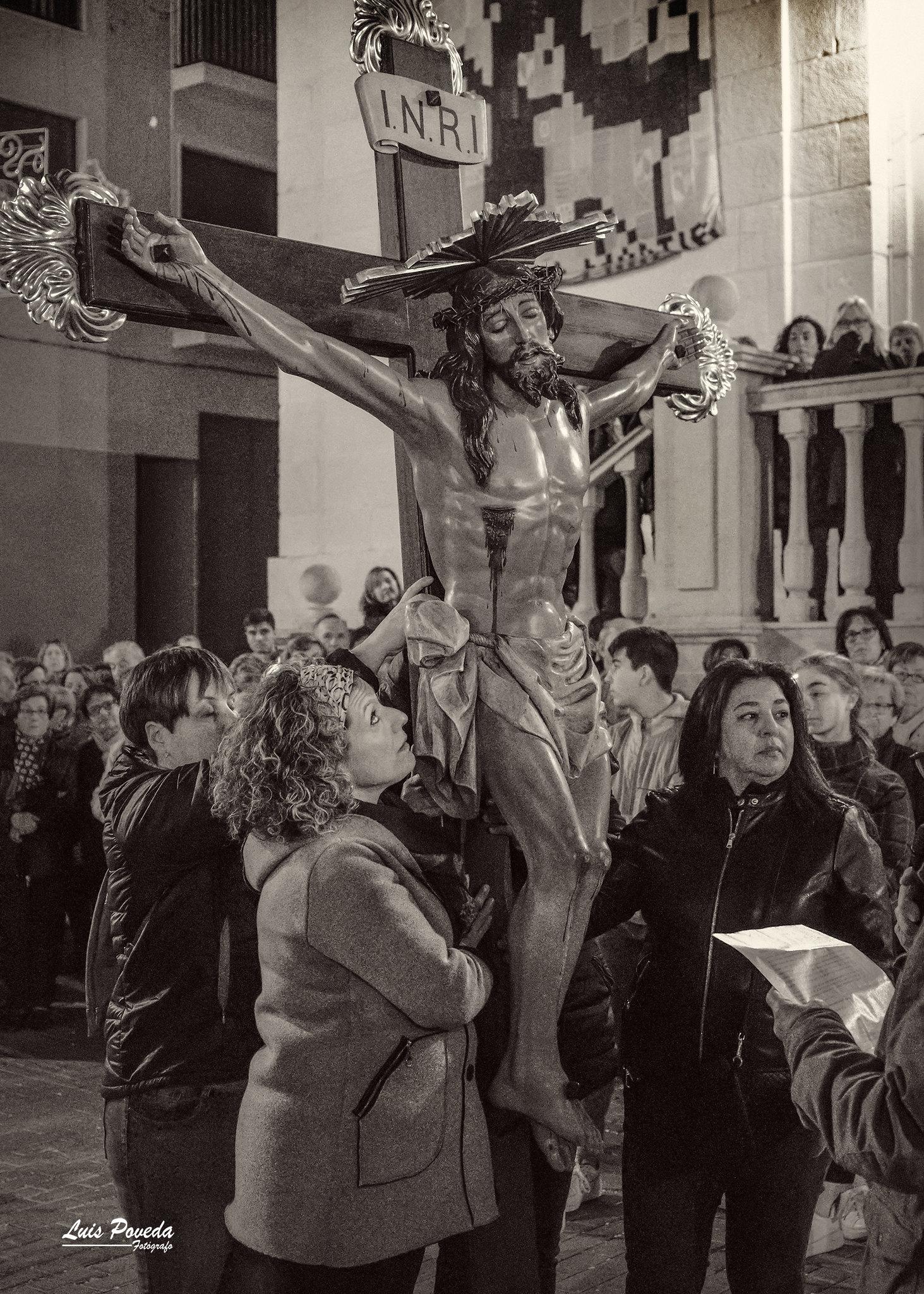 (2019-04-12) - X Vía Crucis nocturno - Luis Poveda Galiano (17)