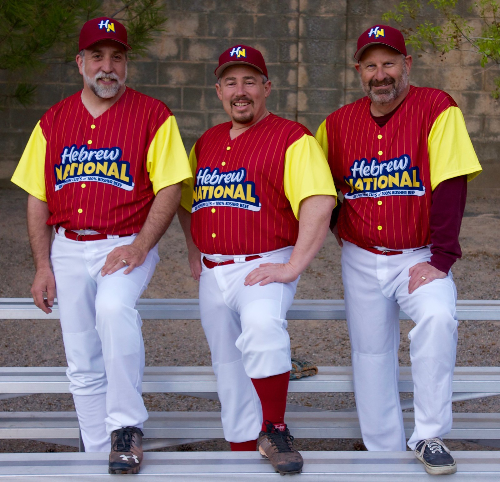 239f4ccc825 Hot Dog! Jewish Softball Team Becomes Hebrew Nationals
