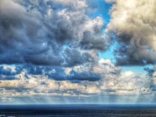 Rayos anticrepusculares en el atardecer del 17 enero 2019