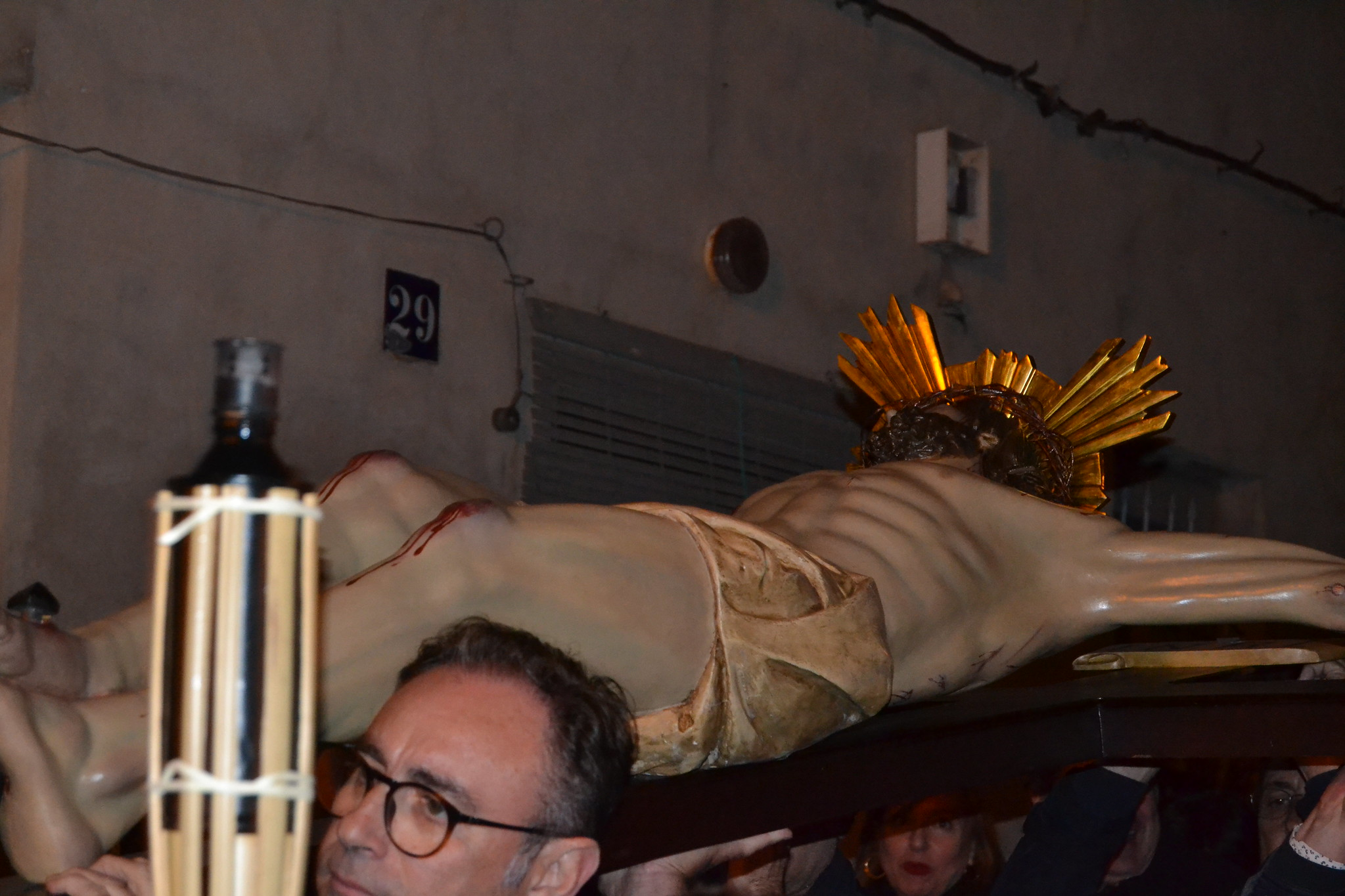 (2019-04-12) - X Vía Crucis nocturno - Diario El Carrer (02)
