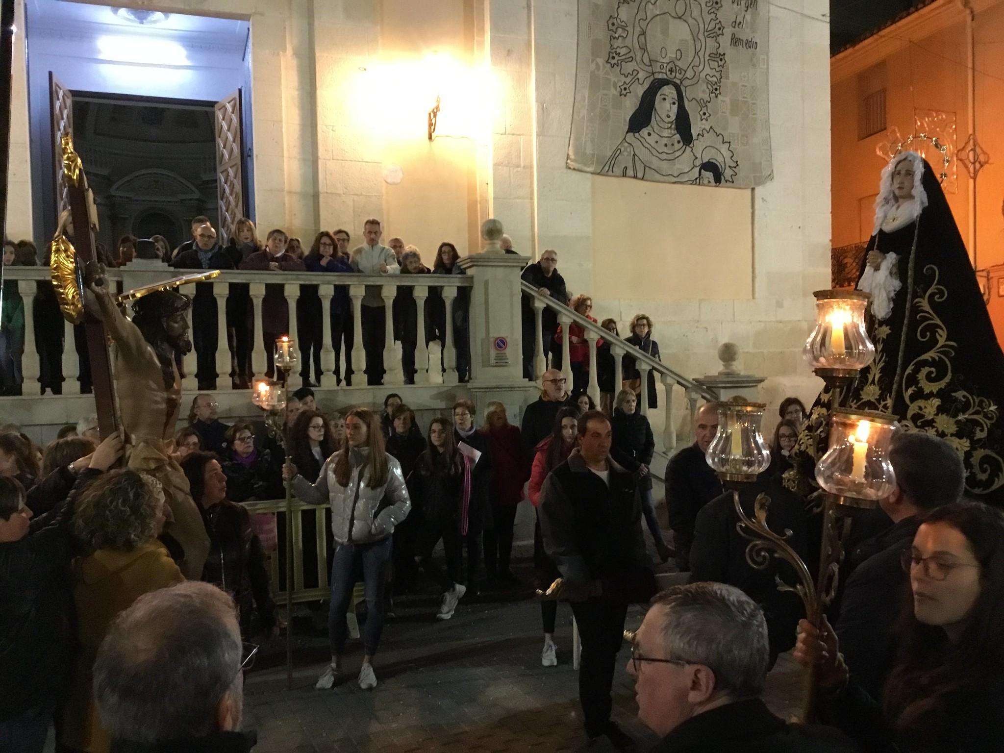 (2019-04-12) - X Vía Crucis nocturno - Diario El Carrer (32)