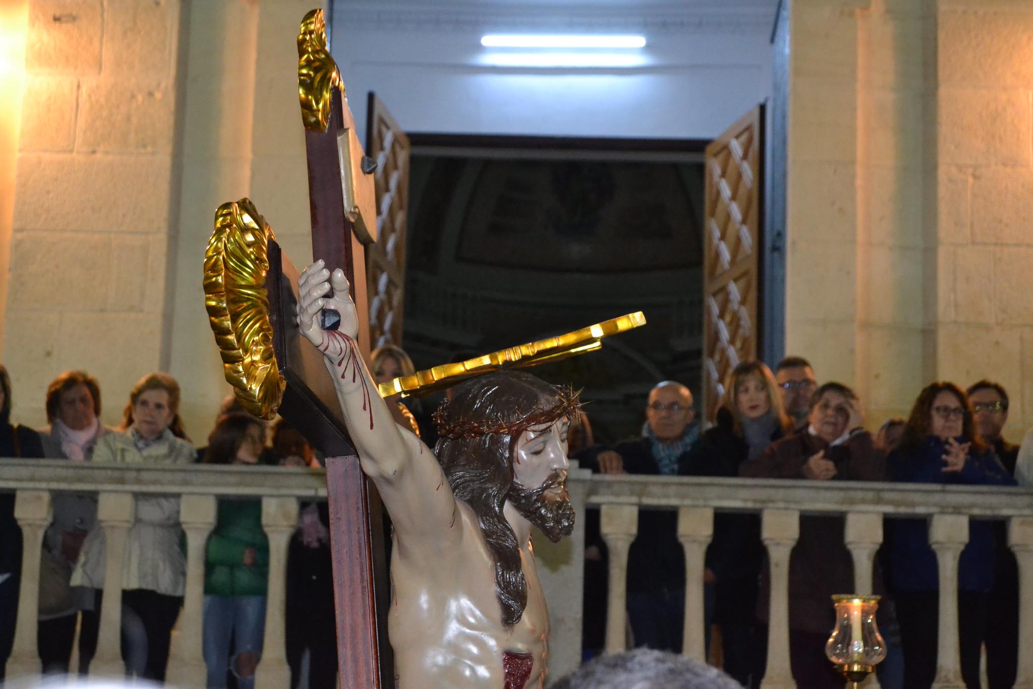 (2019-04-12) - X Vía Crucis nocturno - Diario El Carrer (19)
