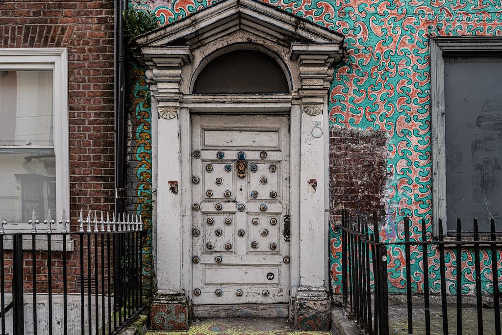UNUSUAL DOOR ON MIDDLE ABBEY STREET