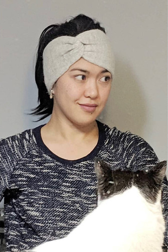 Veronica (@xovee.knits) newest headband knit in Drops Alpaca