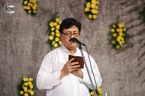 Devotional song by Arjun Thukral from Sant Nagar DL