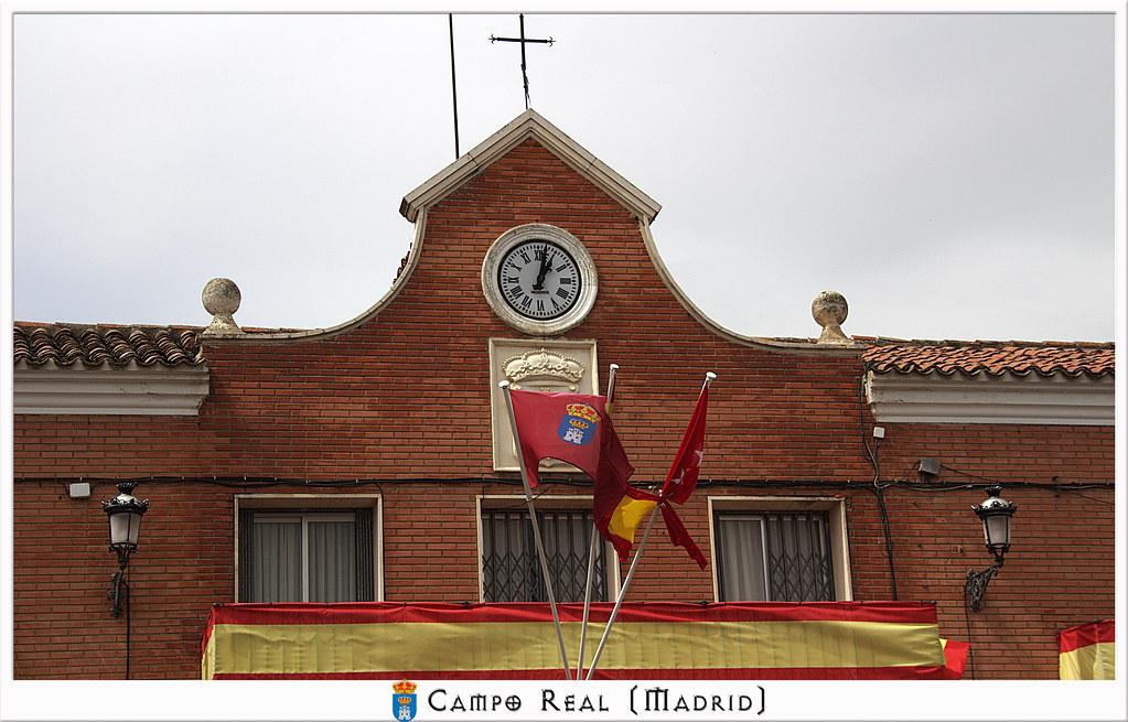 Remate del Ayuntamiento de Campo Real de Madrid