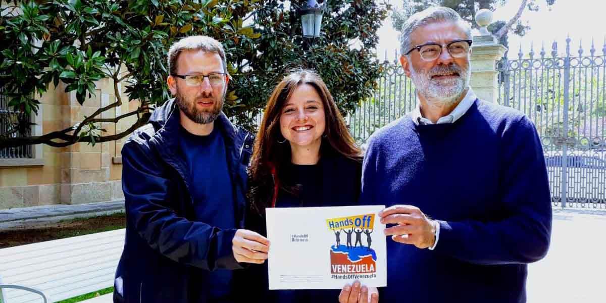 En Barcelona se recaudan 760 firmas a favor de la campaña #HandsOffVenezuela