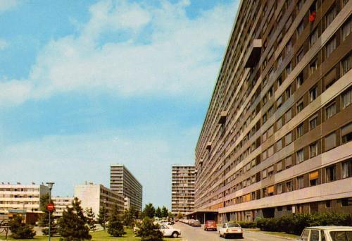 LA COURNEUVE (93 -  Seine-St-Denis) & ses 4000 logement H.L.M.
