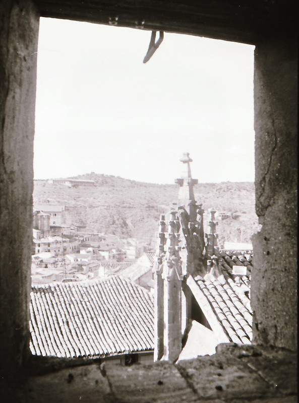 Vista tomada desde las zonas superiores de la catedral en los años 60. Fotografía de Victoriano de Tena Sardón