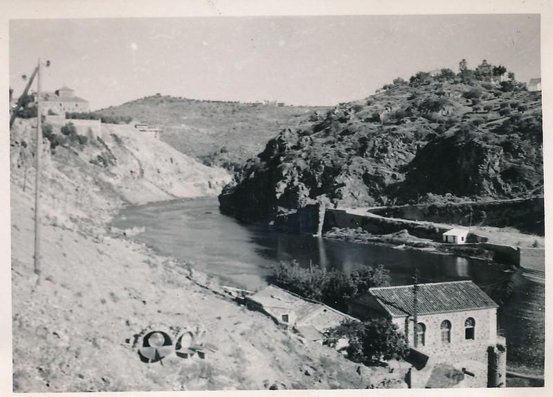 Río Tajo y ermita de la cabeza al fondo, mediados del siglo XX. Fotografía de Victoriano de Tena Sardón