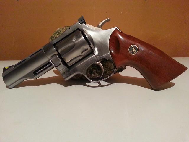 On parles de gun 46748911565_060be416d9_z