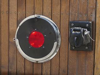 Das Spitzenlicht wird durch eine rote Scheibe zum Schlusslicht.   by Entenfang1