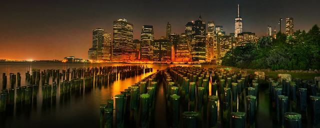 New York City: Manhattan Skyline during night