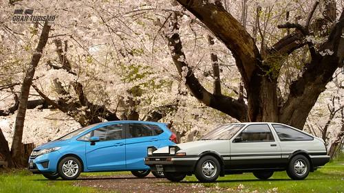Honda Fit Hybrid '14 - Toyota Sprinter Trueno 3-door 1600GT APEX (AE86) '83