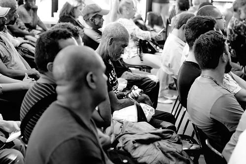Audiência pública - Finalidade: Debater a respeito das violações de direitos a que estão sendo acometidas a população em situação de rua - 6ª Reunião Extraordinária - Comissão de Direitos Humanos e Defesa do Consumidor