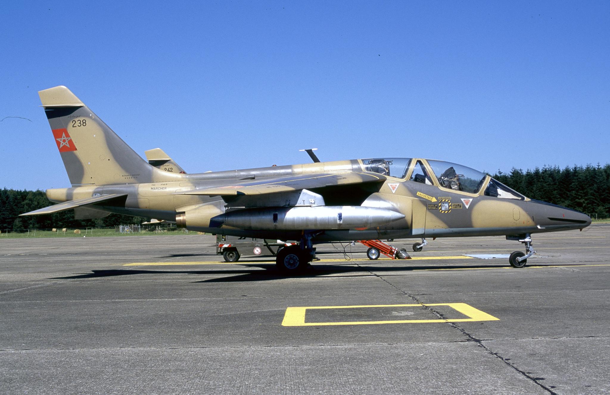 FRA: Photos avions d'entrainement et anti insurrection - Page 9 46770611905_c2607ce2c3_o