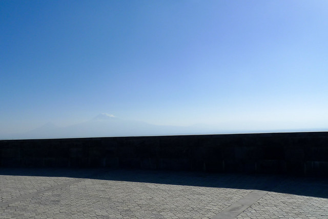 Armenia - monte Ararat visto dal Tsitsernakaberd