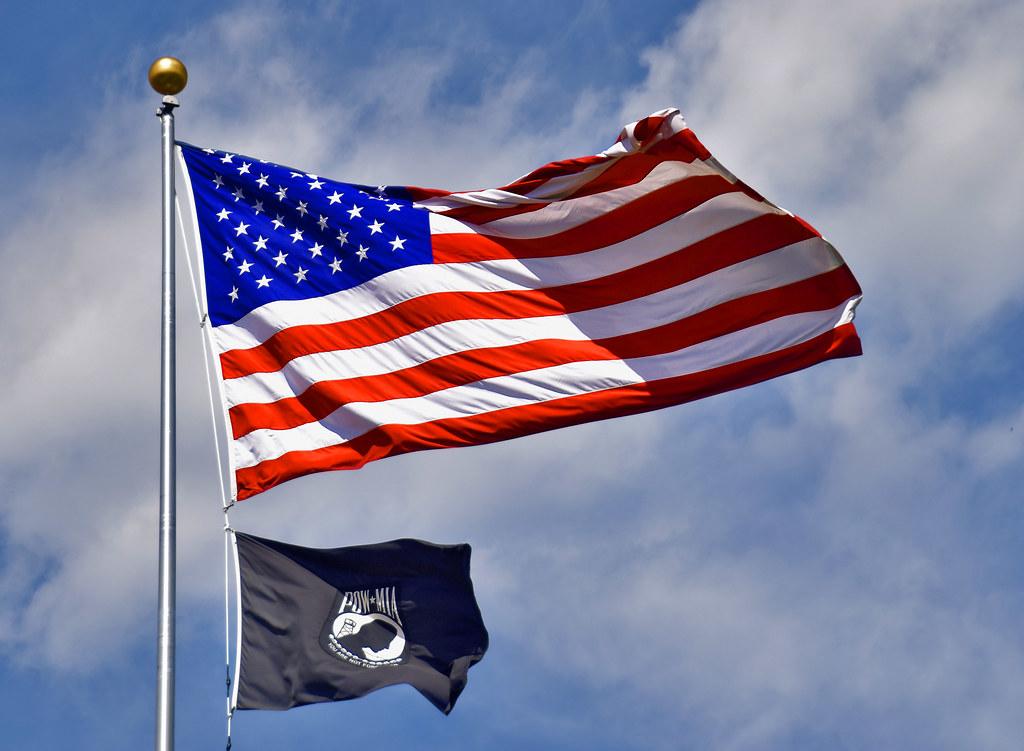 U.S. and POW-MIA Flags -- Antietam National Cemetery Sharp… | Flickr