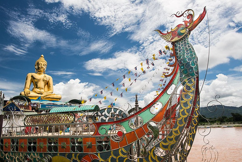 Laos-cruising-tour-to-the-Golden-triangle
