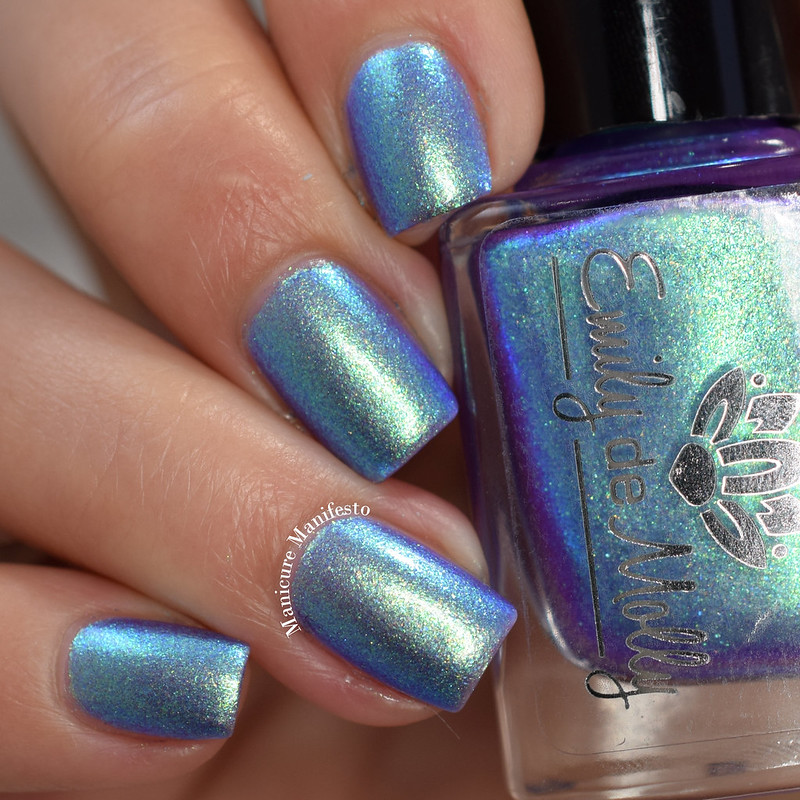 Emily De Molly The Outsider swatch