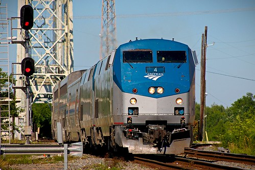 amtrak sunsetlimited train railroad p42dc beaumont texas