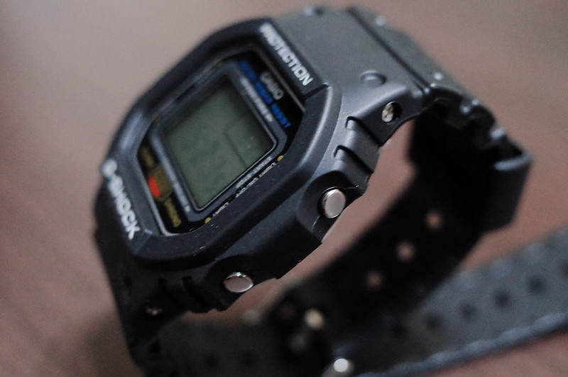 CASIO G SHOCK DW 5600E 1右