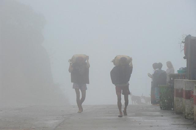 Mt. Kyaiktiyo, Myanmar (Birmania) D700 265