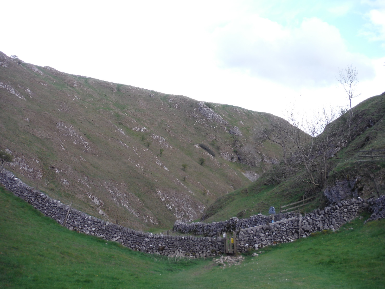 View back down Hall Dale SWC Walk 326 - Dovedale (Ashbourne Circular) [Long Version via Alstonefield]