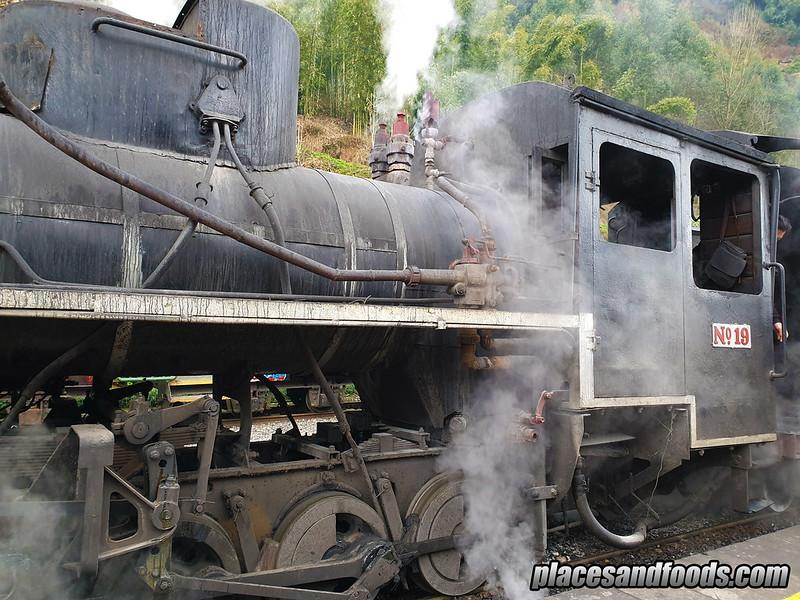 china jia yang steam train close up